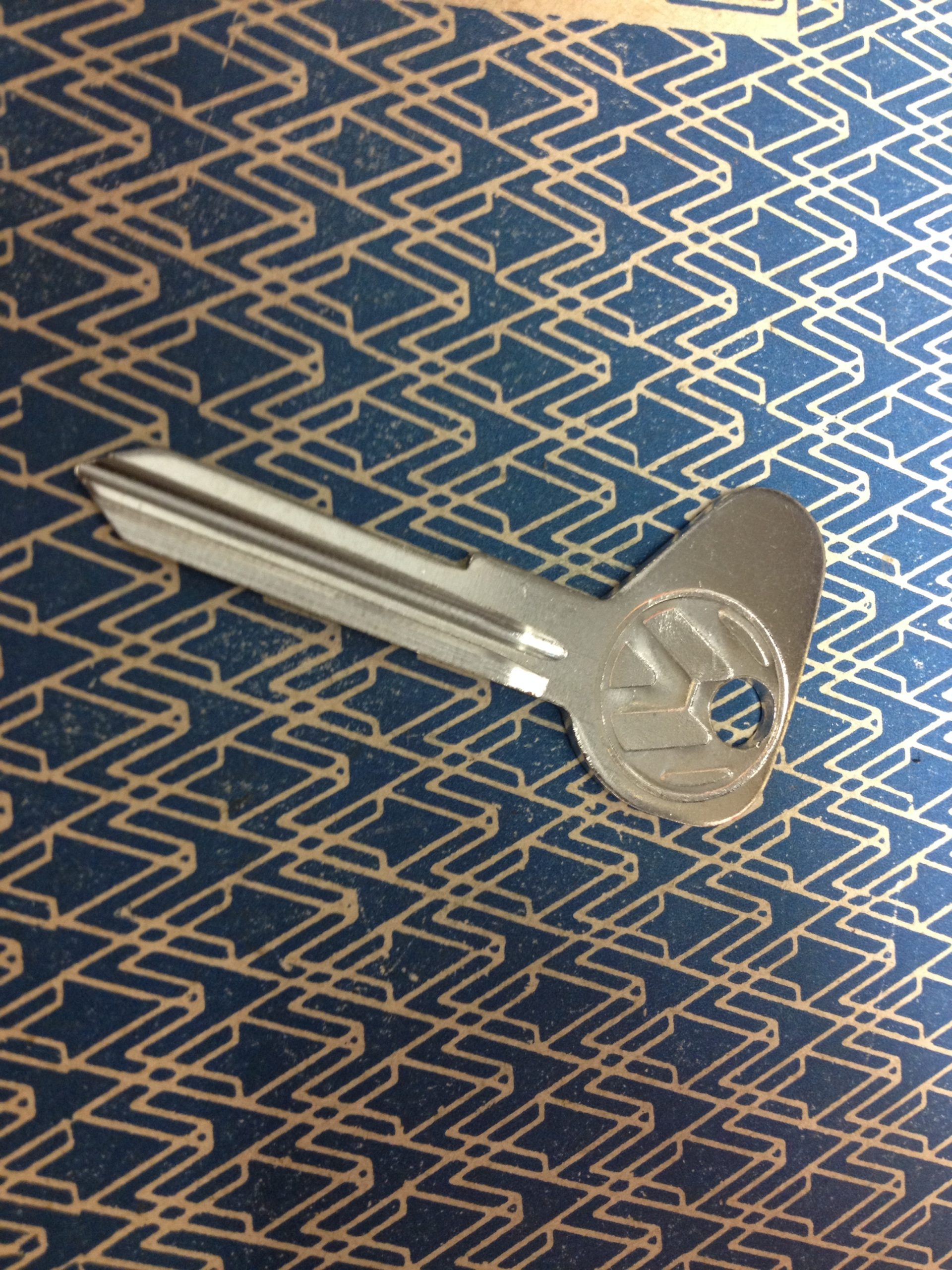 Genuine VW Bus Thing 181 LT R Profile Blank Key 111837219AS93